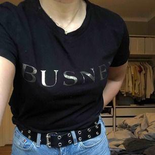 Jättefin tröja från Busnel. Använd ca 6 ggr, som ny. Köparen står för frakt