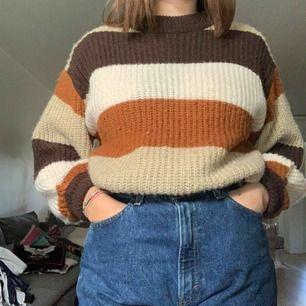 Stickad tröja från MONKI, storlek XS men passar som en S, 🐕Frakt: -🐕