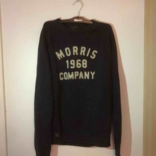 Säljer min Morris tröja i storlek L. Passar till både M och L.