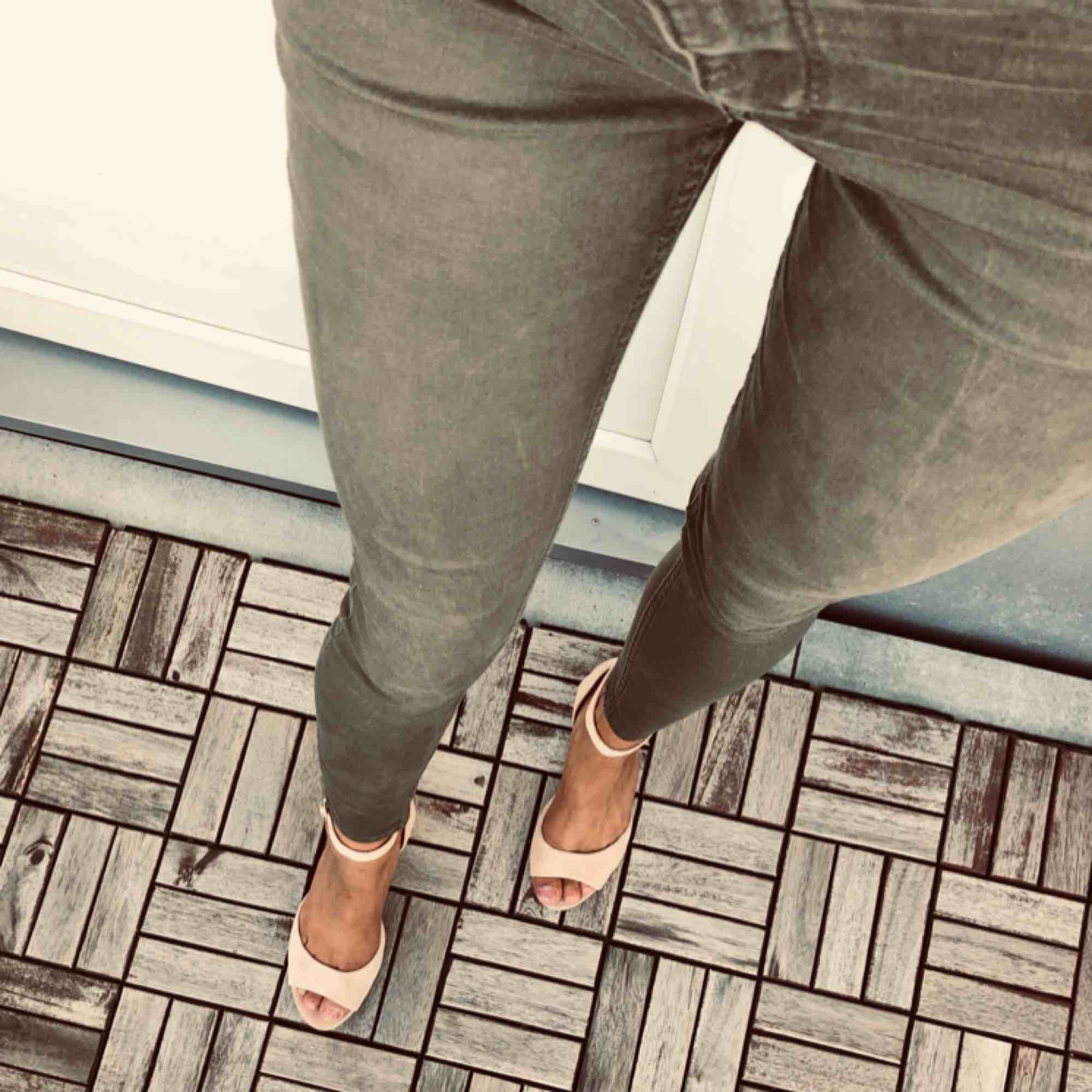 Gröna jeans! . Jeans & Byxor.