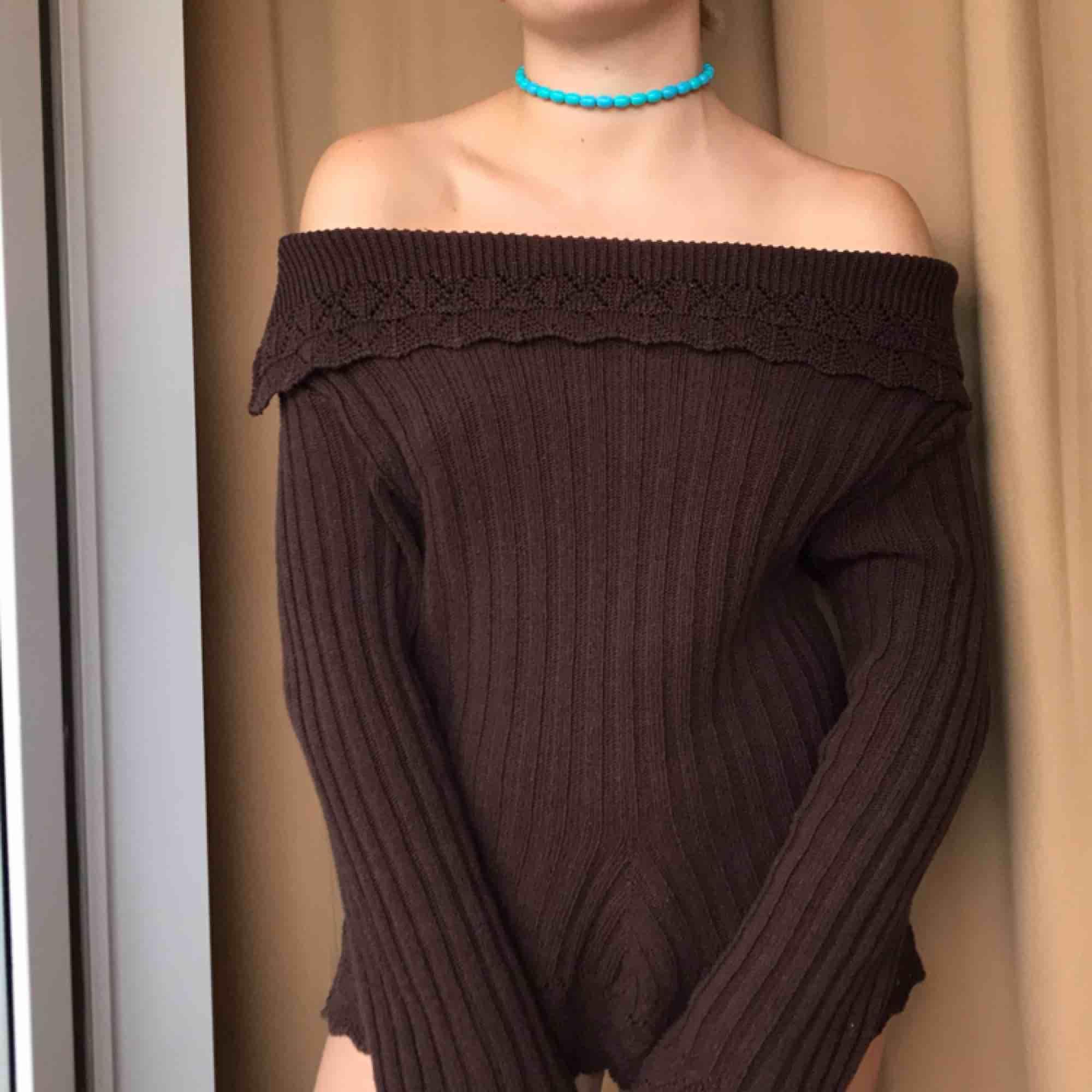 Storlek L men skulle säga att det mer är en medium passar även S! Vintage tröja från HM!. Stickat.