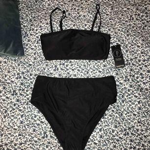 Super fin bikini från Boohoo med highwaisted underdel. Helt oanvänd💕frakt tillkommer