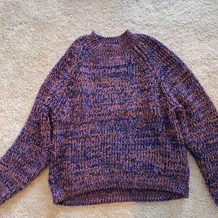 Glittrig superfin och mysig stickad tröja från Monki. HELT perfekt till hösten! Fri frakt 🌼
