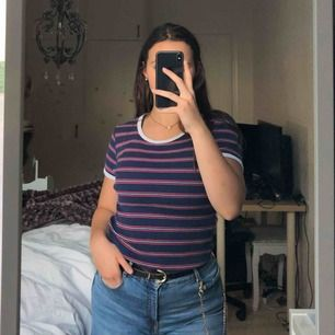 Superfin tröja från H&M som är ganska stretchig. Skriv ifall du har några frågor! :) frakt; 26kr