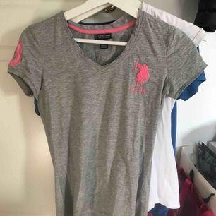 Grå T-shirt från us polo sparsamt använd fint skick