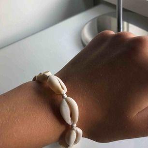 Snyggt snäck armband! Kommer ej till användning💓