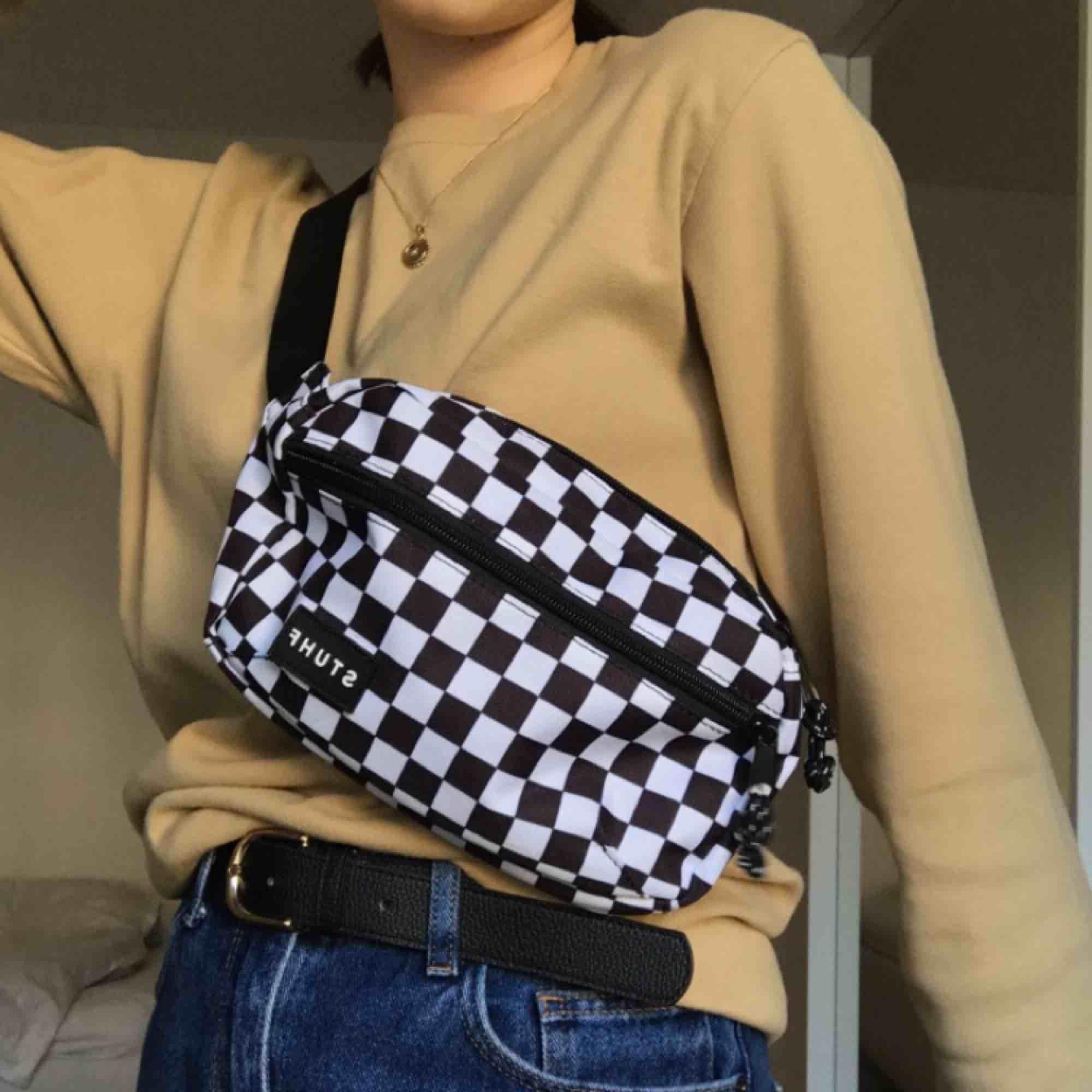 Stuhf bag använd max 5 gånger, som nyskick! Nypris 299kr!!! Köparen står för fraktkostnader🥺❤️. Väskor.