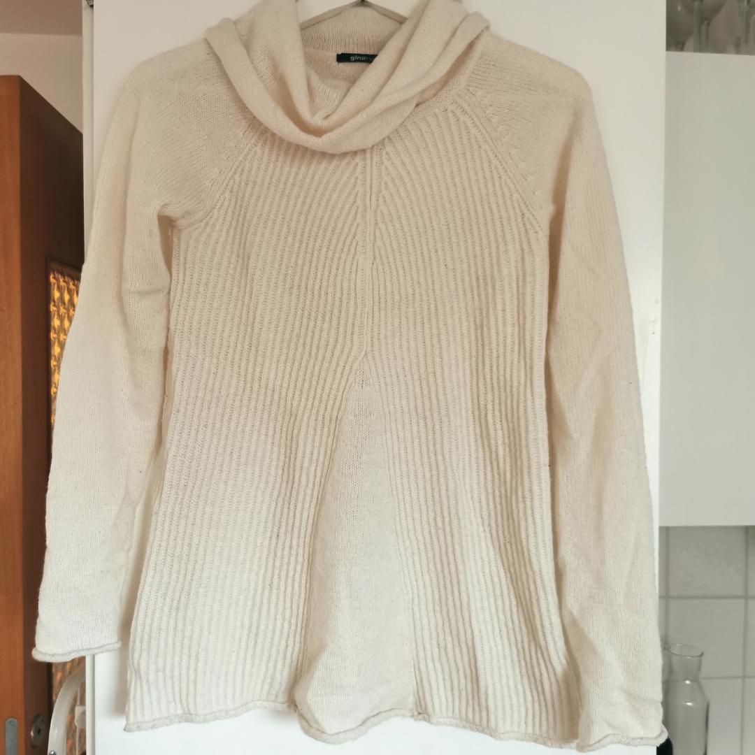 Stickad tröja från Gina, strl xs, frakt ingår i priset 🌺. Stickat.