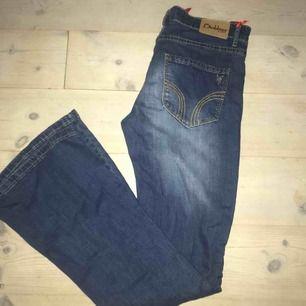 Superfina oanvända flare jeans från diabless. Rätt små i storleken så sitter som en S.  2 st i lager 💖💖