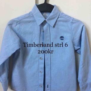 Ljusblå skjorta från Timberland, storlek 6Y, mycket fint skick