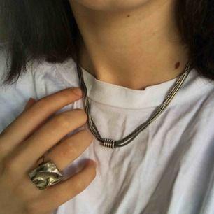 Asfint halsband! Köparen står för fraktkostnader🥰