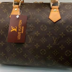 Väska helt ny