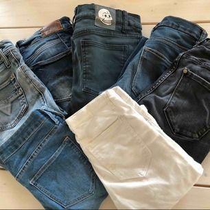 Alla jeans 150kr/st förutom diesel och replay som kostar 200kr/st, priserna kan såklart diskuteras  Är olika märken och storlekar  Kontakta mig för mer bilder och frågor