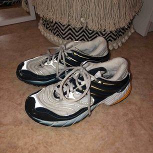 Vintage sneakers från Adidas!