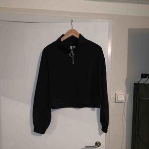 Snygg sweatshirt från hm, fint skick!