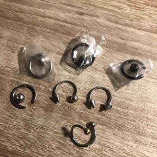 100kr för alla + frakt   Stainless steel örhängen i silver, svart och en av de är multicolored