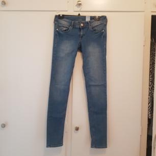 Nyskick jeans från H&M Storlek W29/32