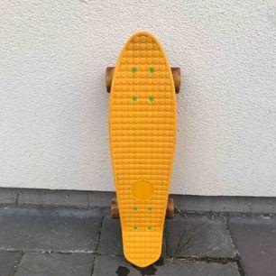 Knappt använd pennyboard