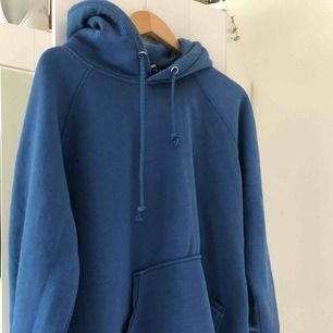 Blå bikbok hoodie