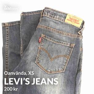 Oanvända Levis jeans