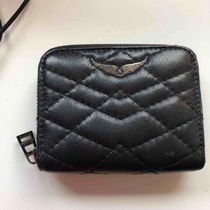 Plånbok från Zadig & Voltaire. Väldigt sparsamt använd pga har en annan plånbok.