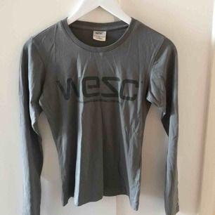 Helt ny Wezc tröja i mörkgrå färg! Köparen står för frakt✨