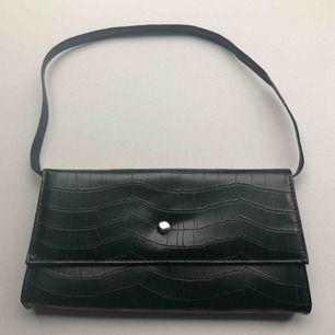 Svart 90-tals väska