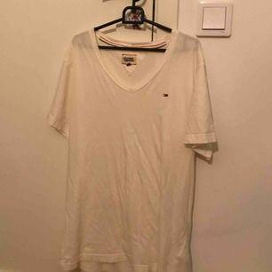 Två st Tommy Hilfiger t-shirts 2st för 115kr 1st för 70kr