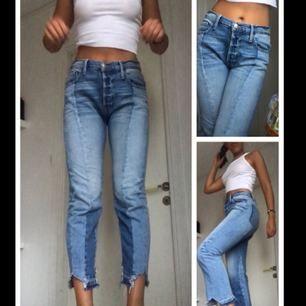 Säljer mina FRAME jeans! Sjukt sällsynta och väldigt populära, nypriset är 5000kr, säljer för att de aldrig kommer till användning! :)