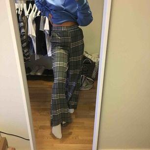Gina tricot byxor, skitcoola. Har bara ej kommit till användning