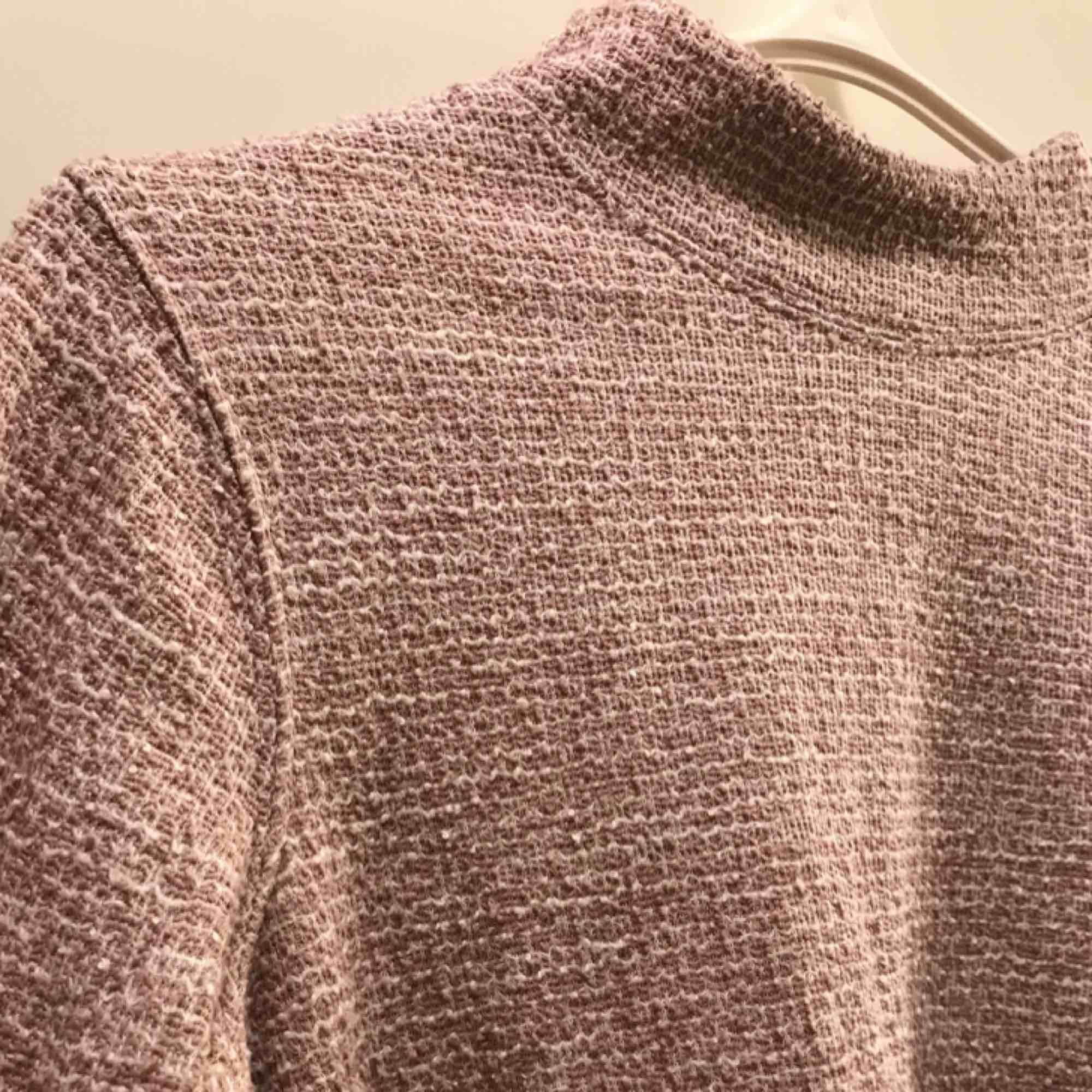 Rosa tröja från Dobber/Mq med halvpolokrage. Tröjor & Koftor.