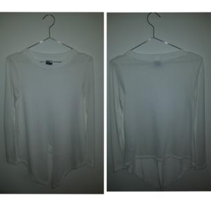 Gina tricot, tröja. Skick: Använt ca 2-3 gånger. (+ 36kr frakt)