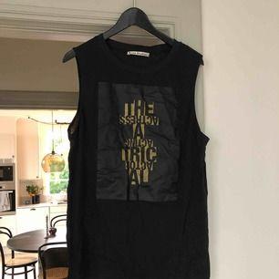 Helt nytt linne med text från ACNE Studios. (Har även denna i vit)