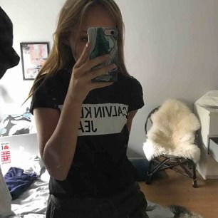 As fin ck t-shirt köpt i USA i julas! Den är i jätte fint skick osv💕 köparen står flr frakt!