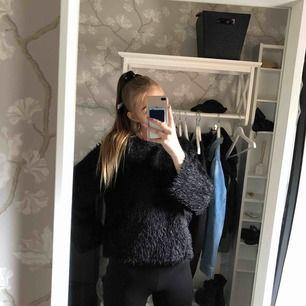 En till skön mjuk tröja att ha på sig till vinter:)