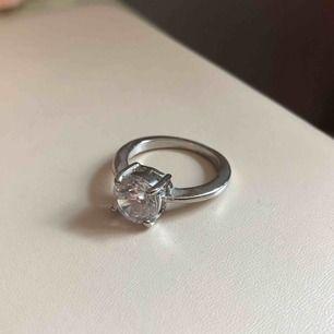 Fin diamant ring från glitter