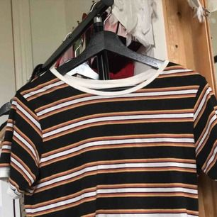 Snygg randig tröja från BDG sjukt skön, frakt tillkommer 25 kr