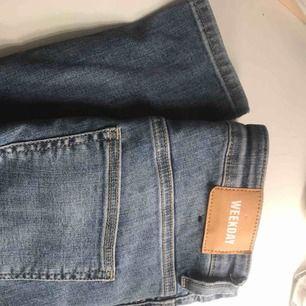 Weekday skinny jeans som sitter SÅ BRA på. Jättefin färg & hög midja.