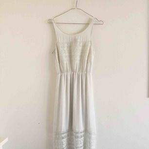 Vit långklänning från H&M 💕