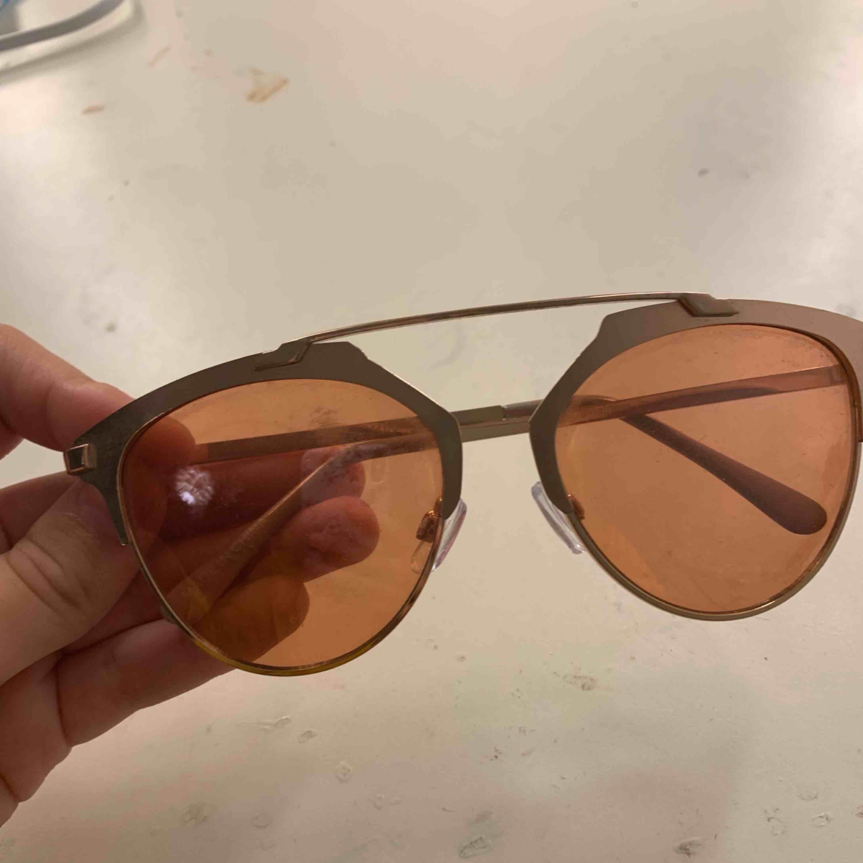 Solglasögon. Övrigt.
