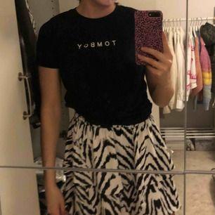 T shirt ifrån gina Tricot. Cool men kommer tyvärr inte till någon använding