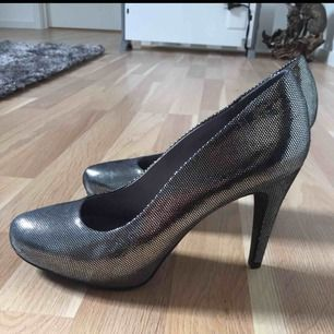 Size: 38 Colour: Silver, Black Once worn!!! New!!!
