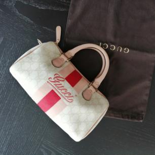 Gucci mini Joy Boston bag, good condition, authentic, size 26x17x10cm, write me for more info&pics