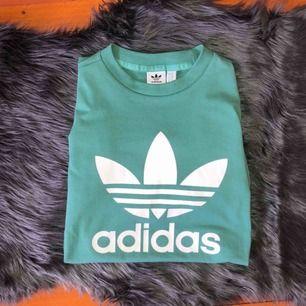 Helt oanvänd T-shirt från Adidas. Nypris 249 kr. Köpare står för frakt❤️