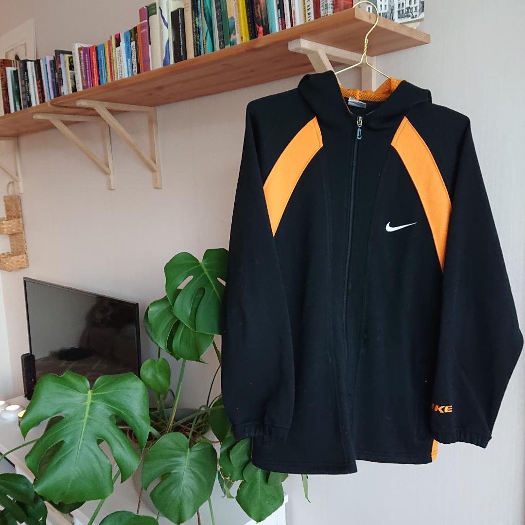 Vintage nike hoodie i bra skick!. Tröjor & Koftor.