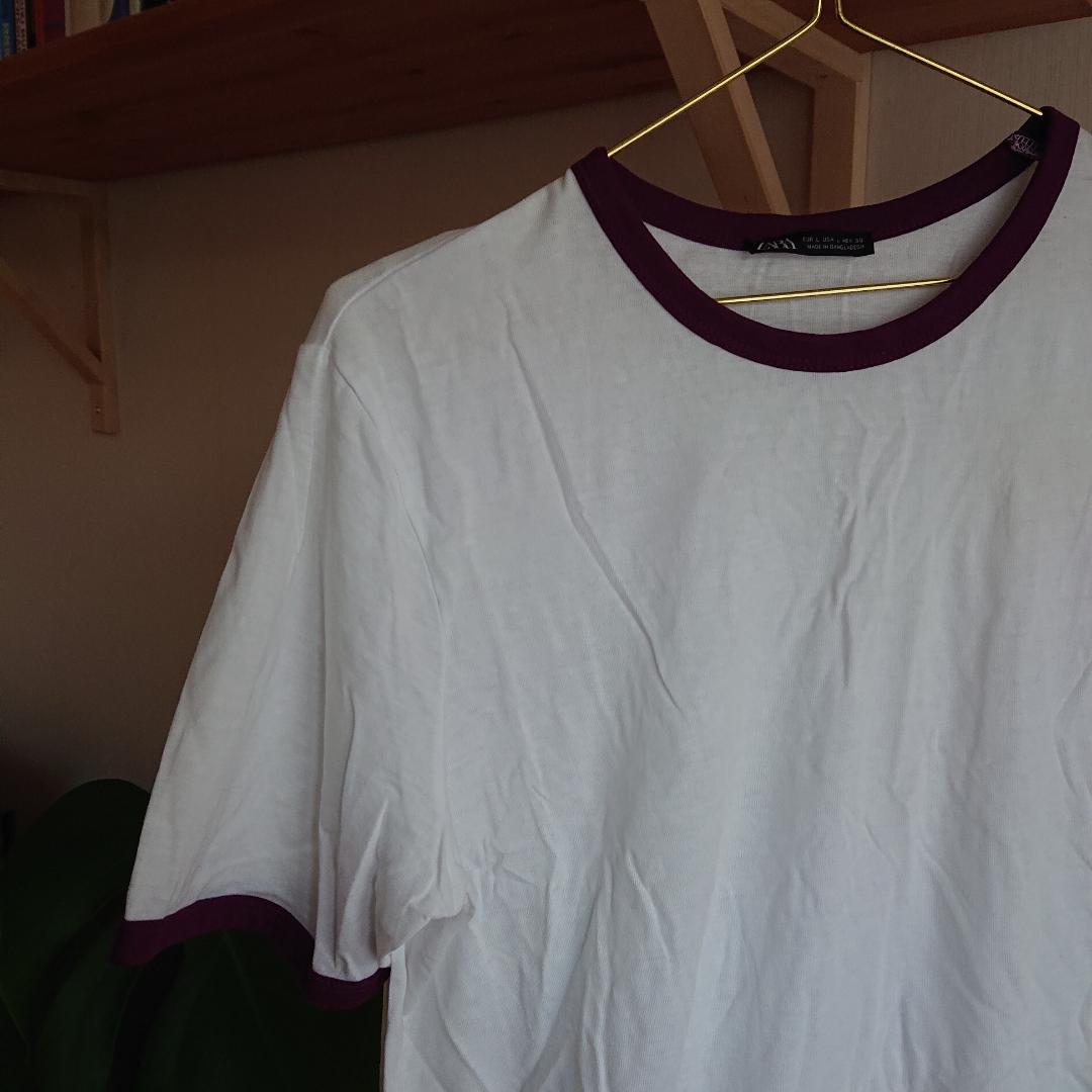 Oanvänd t-shirt från Zara. Är i storlek L men är snarare en S - M i storlek. . T-shirts.