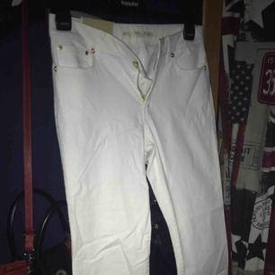 Vita jeans från Michael kors!