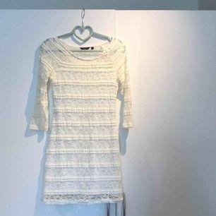 Spetsklänning! Endast använd två ggr🧡 möts i Stockholm eller fraktar🥰