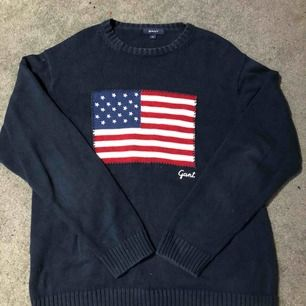Gant tröja säljs inte i butik längre Väldigt bra skick knappt använd Storlek XL Nypris 1299kr Köparen står för frakt Möts upp i Knivsta/Uppsala