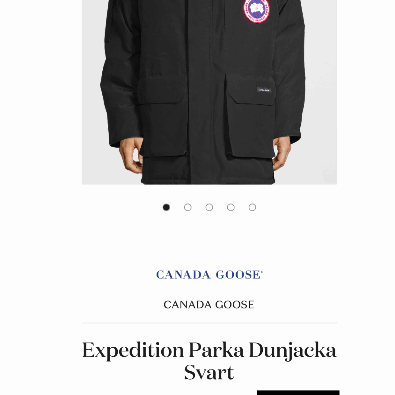 Canada Goose jacka Äkta! Storlek M men passar även L och XL Nypris 11 599kr Skriv för flera bilder! Köparen står för frakt Möts upp i Knivsta/Uppsala. Jackor.